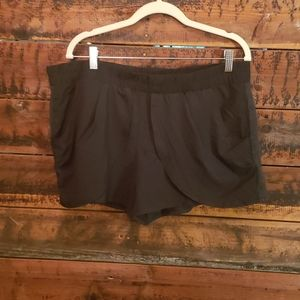 NWT Fabletics shorts